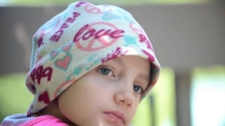 Cutremurator: o fetita cu cancer in faza terminala explica ce este MOARTEA