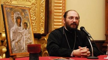 """Părintele Constantin Necula, despre incendiul de la Notre-Dame: """"Dacă a rămas Crucea, înseamnă că Franța merge mai departe"""""""