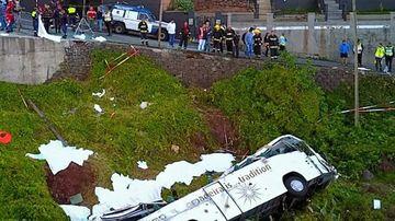 Accident fara precedent! Cel putin 29 de oameni au murit dupa ce un autocar s-a rasturant intr-o rapa