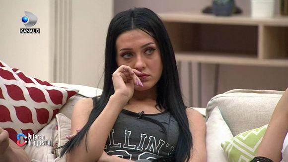 """Bianca de la """"Puterea dragostei"""", in lacrimi! """"Mi-a spus sa nu ma mai injosesc!"""" Iata ce replici taioase i-a transmis mama sa, dupa despartirea de Alexandru Bobicioiu!"""