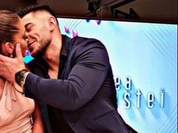 """Roxana, de la """"Puterea dragostei"""", schimbare radicala de look! Iata cum a fost surprinsa concurenta chiar de iubitul ei, Bogdan Mocanu, care pare topit dupa noua ei infatisare!"""