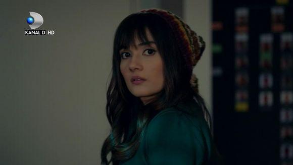"""Sinan, fascinat de frumusetea lui Zeynep! Afla ce decizie va lua barbatul in privinta tinerei, in aceasta seara, intr-un nou episod din serialul """"Pretul iubirii"""", de la ora 20:00, la Kanal D!"""