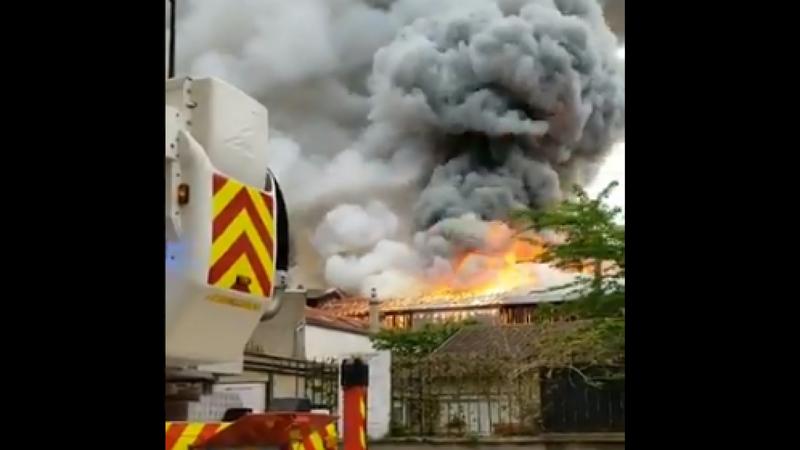 incendiu versailles