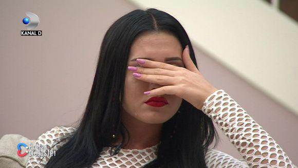 """Bianca de la """"Puterea dragostei"""", in lacrimi! """"Am plans pentru ca mi-am dat seama ca nu sunt fericita!"""" Iata ce marturisiri impresionante a facut concurenta despre ceea ce a simtit cand l-a vazut pe Alexandru dansand cu Simona!"""