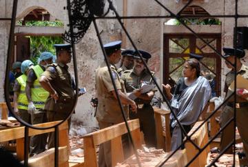 Sotia insarcinata a unui milionar s-a aruncat in aer impreuna cu cei trei copii. Dezastrul din Sri Lanka