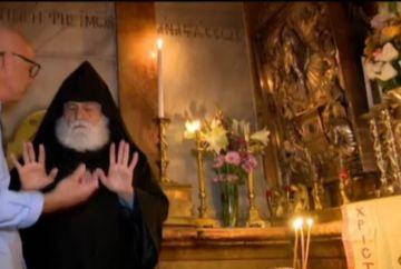 """Scandalos: Un episcop de la Ierusalim a spus ca Lumina Sfanta vine de la o candela, nu din cer: """"Dumnezeu nu face miracole doar ca sa le faca oamenilor pe plac"""""""