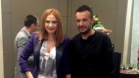 Adina Buzatu NU merge la inmormantarea lui Razvan Ciobanu! Anuntul a fost facut in aceasta dimineata: ''Dupa o noaptea de nesomn, am decis sa nu merg la inmormantare, pentru ca...''