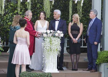 """Alihan, decizie socanta in relatia cu Zeynep! Afla ce anume tulbura linistea celor doi indragostiti, in aceasta seara, intr-un nou episod din serialul """"Pretul fericirii"""", de la ora 20:00, la Kanal D!"""