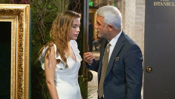 """Yildiz, socata de decizia neasteptata luata de Halit, chiar inaintea nuntii lor! Afla ce obstacole va intampina tanara inca din prima zi in casa sotului ei, in aceasta seara, intr-un nou episod din serialul """"Pretul fericirii"""", de la ora 20:00, la Kanal"""