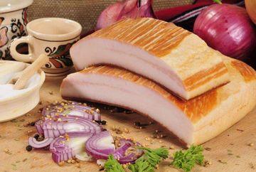 """Adevărul despre slănina cu ceapă! PERICOLUL ascuns din mâncarea de la ţară: """"Nu noi am creat mitul alimentatiei sanatoase de la tara"""""""