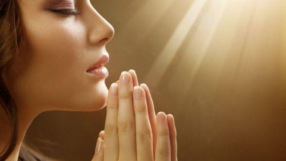 Dumnezeu răspunde la toate rugăciunile, mereu, tuturor oamenilor