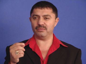 Prima reacţie a lui Nicolae Guţă, după ce a fost criticat de fani pentru maneaua pro-PSD. Ce spune și impresarul cântărețului