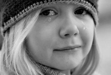 Nu va mai umiliti copiii! Ce spun psihologii despre suptul degetului