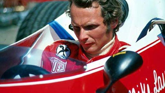 Niki Lauda, fost pilot de Formula 1 şi triplu campion mondial, a murit