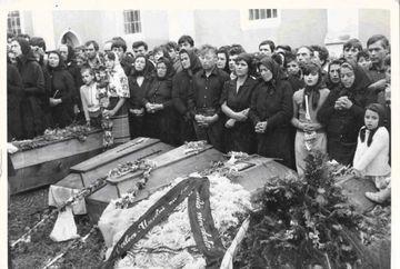 Cea mai mare înmormântare: 23 de sicrie cu copii. Marturii cutremuratoare ale preotului