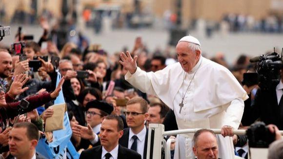 Papa in Romania 2019. Programul complet al vizite Papei Francisc. Suveranul Pontif va merge si la Blaj, în comunitatea romilor.