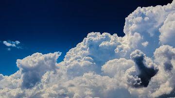 Alertă meteo de ploi torențiale și vijelii în următoarele ore