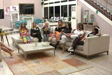 """""""Simina, Roxana, Bianca vreau să plecați din emisiune""""! Andreea Mantea, decizii fără precedent la """"Puterea Dragostei"""", MARȚI, de la ora 11:00 si 17:00, la Kanal D!"""