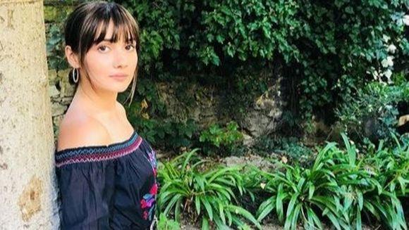 """Zeynep din serialul """"Pretul fericirii"""", aparitie incendiara, doar in costum de baie! Iata cum a fost surprinsa celebra Sevda Erginci, intr-una dintre cele mai exclusiviste destinatii de vacanta din Turcia!"""
