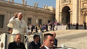 Incredil! Ce a gasit un preot în toaleta pentru VIP-uri de pe Câmpia Libertății din Blaj, în timpul vizitei Papei Francisc