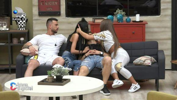 """Momente de senzatie in casa """"Puterea dragostei""""! Bianca l-a sarutat pe Iancu, in prezenta lui Bobicioiu! Iata cum a reactionat fostul iubit al Biancai!"""