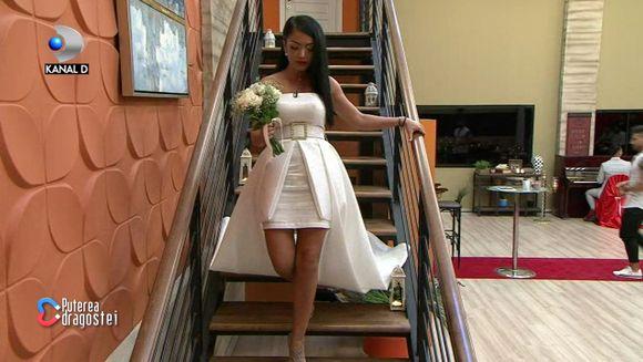 "Andreea Mantea, aparitie inedita in rochie de mireasa, in Gala ""Puterea dragostei""! Iata ce anunt important a facut vedeta!"