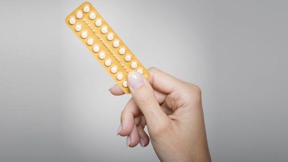 Simptomele care trebuie să te trimită DE URGENŢĂ la medic. Toate femeile care iau pilule contraceptive trebuie să ştie când se află în pericol