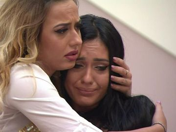 Ce a putut sa spuna Raluca dupa ce a iesit din competitie? Bianca a izbucnit in lacrimi: ''Se ruga de mine sa nu...''