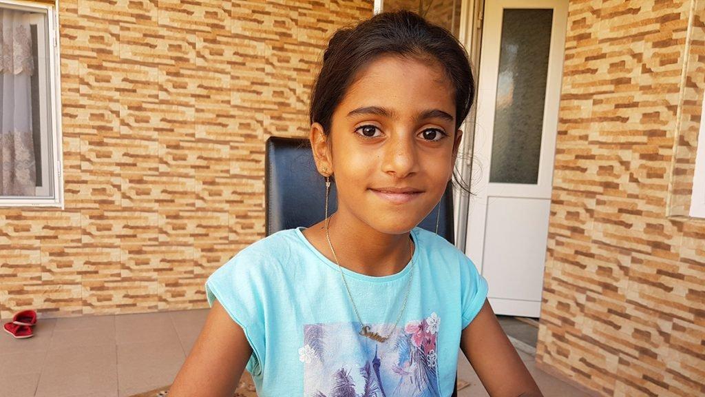 De ce au refuzat 122 de familii sa o adopte pe Sorina, fetita luata cu mascatii de langa familia ei! Motivul este unul socant