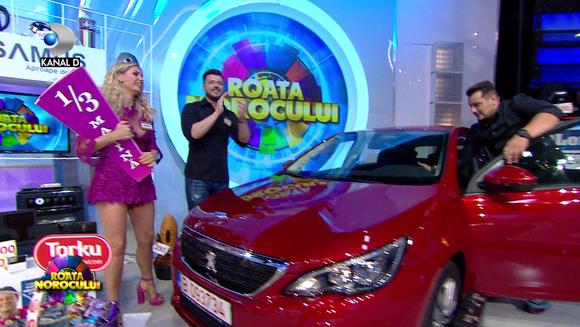 "VIDEO. Victor Slav si Andreea Banica au castigat masina la ""Roata Norocului"""