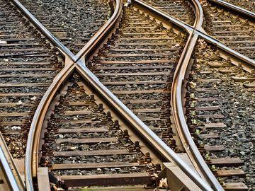 Una dintre cele mai importante linii de transport din Bucureşti se suspendă pentru 2 luni