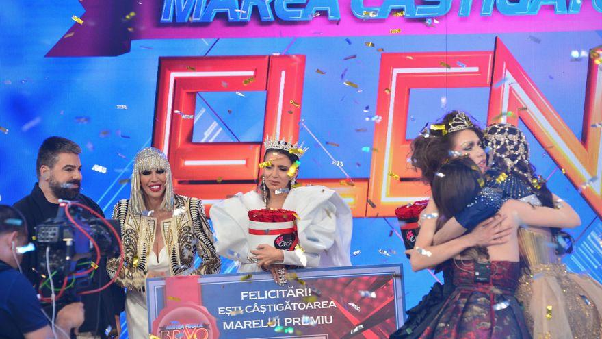 """Elena este câştigătoarea sezonului cinci """"Bravo, ai stil!"""", a marelui premiu de 100.000 de lei şi a titlului de Cea mai stilată femeie din România!"""