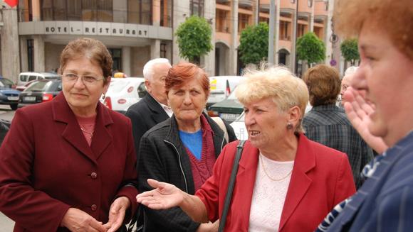 E oficial! La ce vârstă pot ieși femeile din România la pensie. VESTILE NU SUNT PREA BUNE