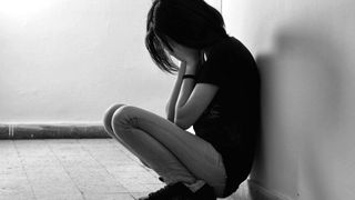O adolescenta a aflat ca e orfana cand a iesit luni de la proba de BACALAUREAT. Cine sunt huliganii care i-au omorat tatal in bataie
