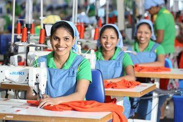Deficit de forta de munca in Romania: Ce trebuie sa stie angajatorii care importa personal din Sri Lanka