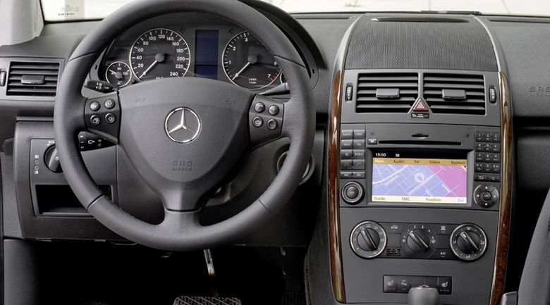 ANAF dă lovitura! Mașini foarte ieftine pentru români: Mercedes la nici 3.000 de lei