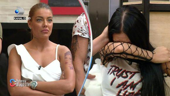 Bianca, in lacrimi! Tensiunile dintre ea si Roxana au degenerat intr-o explozie de gesturi necontrolate! Iata cum a reactionat Bianca dupa reconstituirea facuta de Roxana in platou!