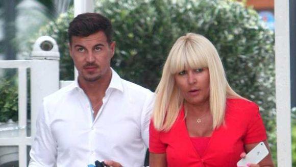 Breaking news: Elena Udrea e în România! Informatii explozive