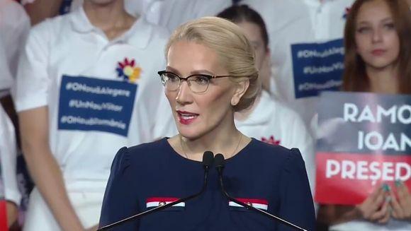 Femeia care va candida la Preşedinţie: Vreau să facem din România o ţară în care oamenii îşi împlinesc visurile, o ţară a poveştilor de succes
