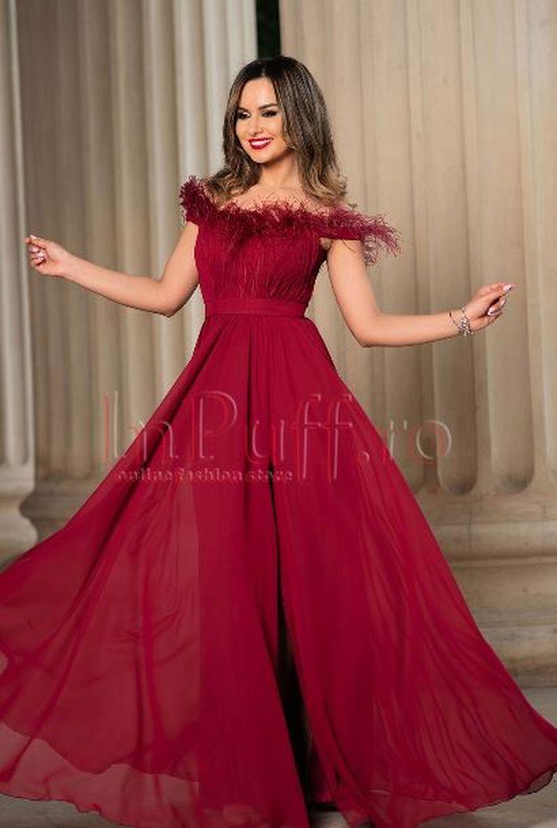 prezentarea comercializează marca faimoasa Fii ravasitoare intr-o rochie de seara grena! - Kanal D Romania