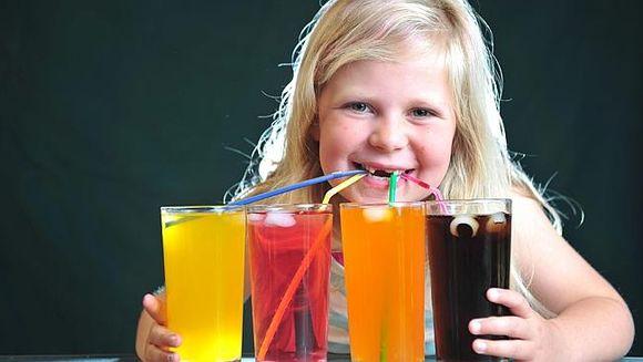 Bauturile care imbolnavesc de cancer! Inclusiv copiii le consuma zilnic, iar efectele sunt devastatoare pentru organism