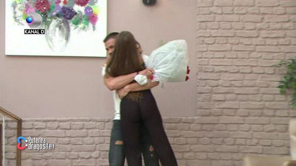 """Culiță Sterp s-a reîntors la """"Puterea dragostei"""" cu un buchet imens de trandafiri și s-a dus direct la Simona. Ce a urmat este de necrezut"""