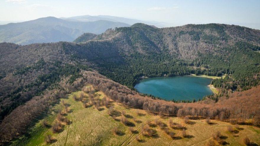 """Vulcanul din Romania era crezut """"adormit"""", dar """"clocoteste"""" pana la pragul de eruptie"""