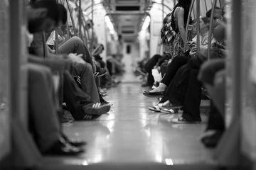 Dramă în București! Un bărbat s-a aruncat în fața metroului în această dimineață