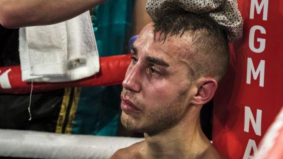 """Max Dadashev a murit. Ce i-a spus antrenorul lui, inainte sa primeasca lovitura finala: """"Ești prea lovit.Te rog, Max. Lasă-mă să fac asta"""""""