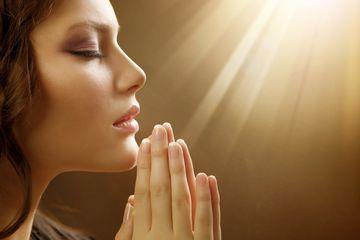 Cea mai puternică rugăciune! Spune-o zilnic şi vei scăpa de orice rău din viaţa ta