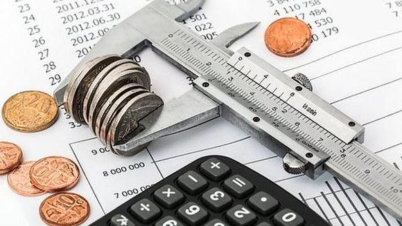 RECTIFICAREA BUGETARĂ: Bugete reduse la Transporturi, Educaţie, Fonduri Europene, Cercetare.