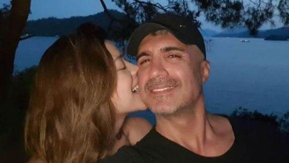 Rasturnare de situatie! Celebrul actor Ozcan Deniz a luat o decizie neasteptata in privinta relatiei sale cu Feyza Aktan! Isi vor relua sau nu povestea de iubire?