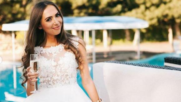 "Mariana de la ""Puterea dragostei"" a imbracat rochia de mireasa! Iata primele imagini cu frumoasa concurenta!"