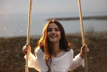 """İrem Helvacıoğlu, Nefes, din serialul """"Lacrimi la Marea Neagra"""", din spital … la actorie"""